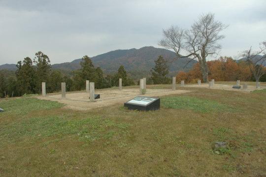 小倉山城 甲の丸(本丸)周辺