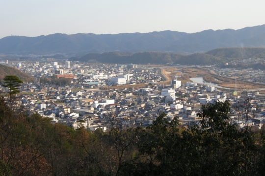亀寿山城から新市方面