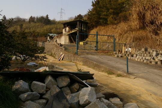 茶臼山城 登城口