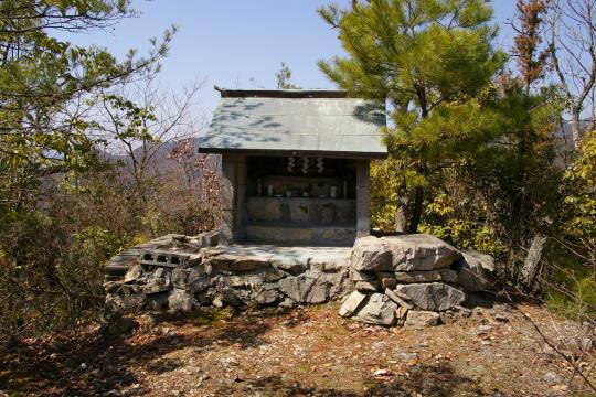 茶臼山城 本丸跡
